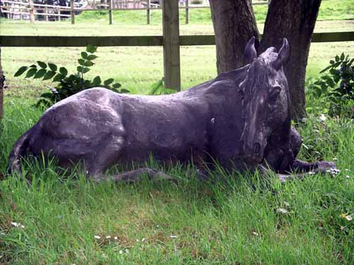 artpark_sculpture_lucy_kinsella_resting_horse